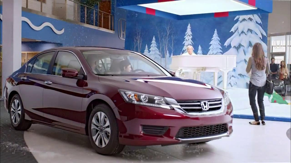 Honda Happy Honda Days: Accord TV Spot, 'Cue the Bolton' Ft. Michael Bolton - Screenshot 4