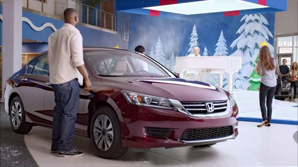 Honda Happy Honda Days: Accord TV Spot, 'Cue the Bolton' Ft. Michael Bolton - Screenshot 7