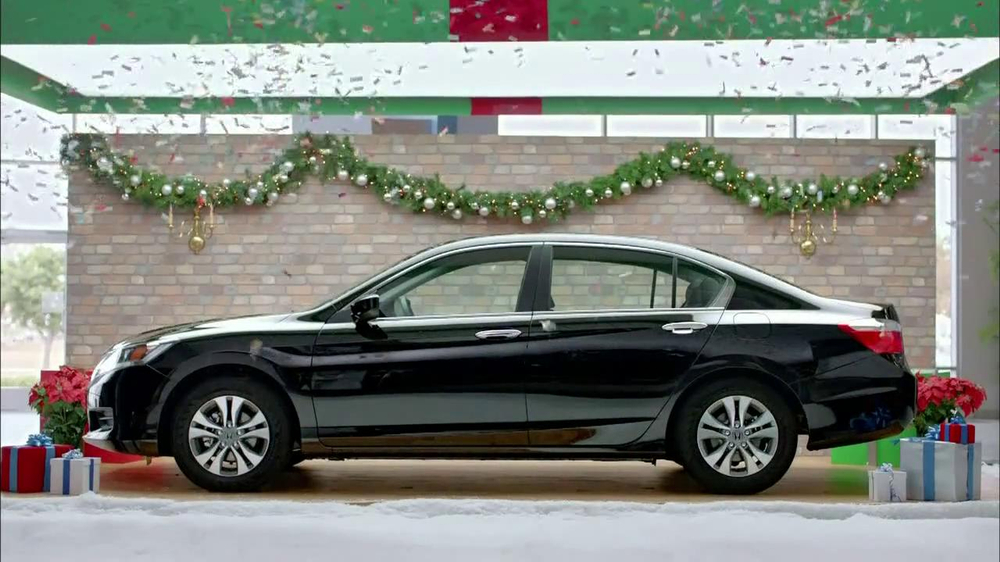 Honda Happy Honda Days: Accord TV Spot, 'Cue the Bolton' Ft. Michael Bolton - Screenshot 8