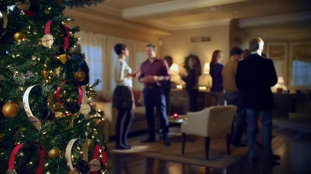 Radio Shack TV Spot, 'Tech the Halls' - Screenshot 1