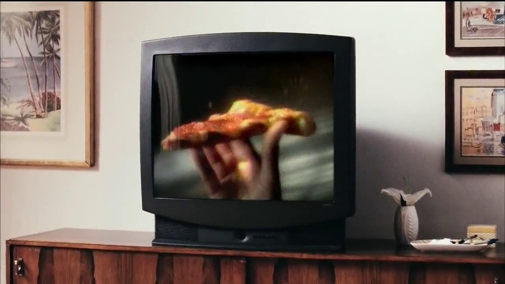 Pizza Hut 3 Cheese Stuffed Crust TV Spot, 'Stuffed Turkey' - Screenshot 5