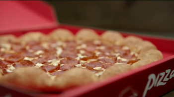 Pizza Hut 3 Cheese Stuffed Crust TV Spot, 'Stuffed Turkey' - Thumbnail 8