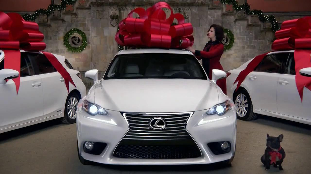 Lexus December to Remember TV Spot, 'Bow Precision' - Screenshot 10
