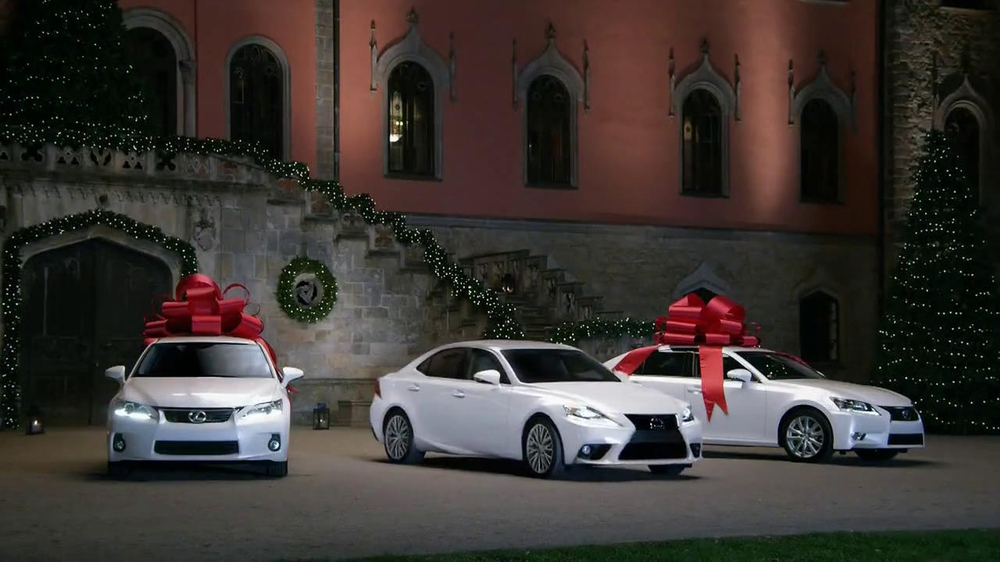 Lexus December to Remember TV Spot, 'Bow Precision' - Screenshot 8