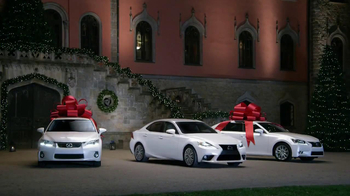 Lexus December to Remember TV Spot, 'Bow Precision' - Thumbnail 8