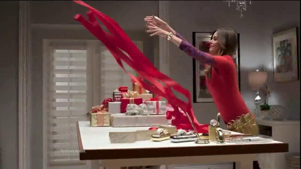 TJ Maxx, Marshalls and HomeGoods TV Spot, 'The Gifter: Never Settle' - Screenshot 7