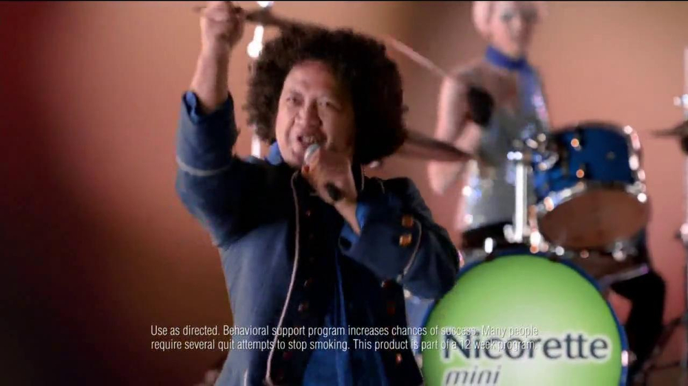 Nicorette Mini TV Spot, 'At the Bar' - Screenshot 8