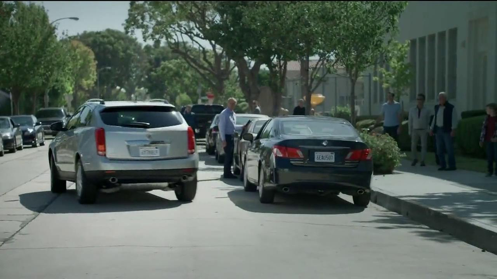 2014 Cadillac SRX TV Spot, 'Mom' Song by Fountains of Wayne - Screenshot 6