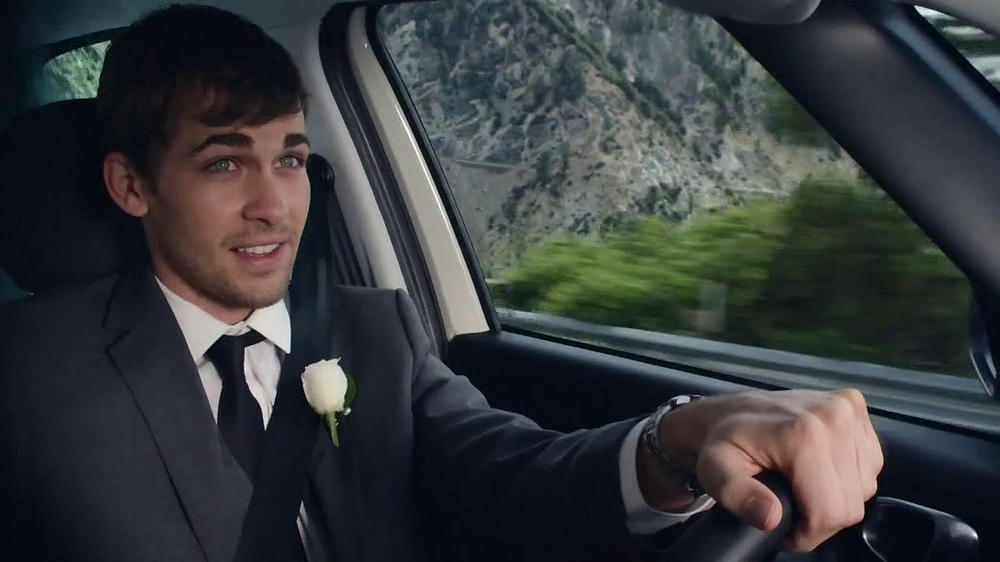FIAT 500L TV Spot, 'Wedding' - Screenshot 6