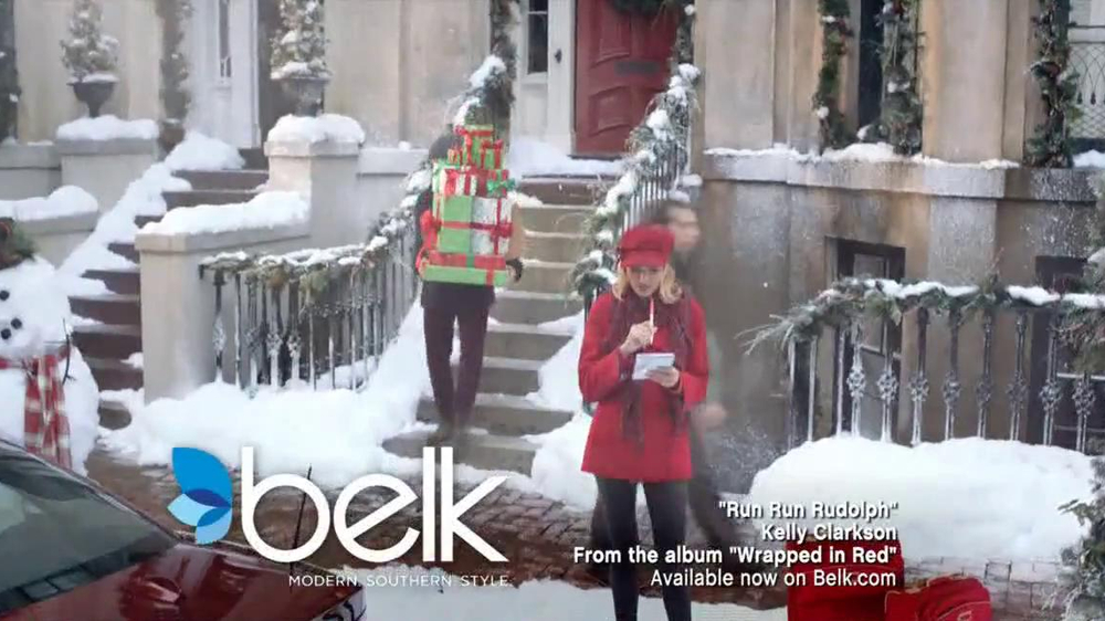Belk TV Spot, 'Heading South for Christmas' Song by Kelly Clarkson - Screenshot 1