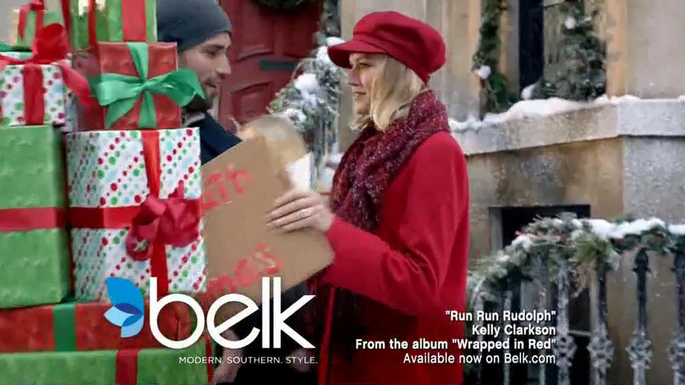 Belk TV Spot, 'Heading South for Christmas' Song by Kelly Clarkson - Screenshot 2