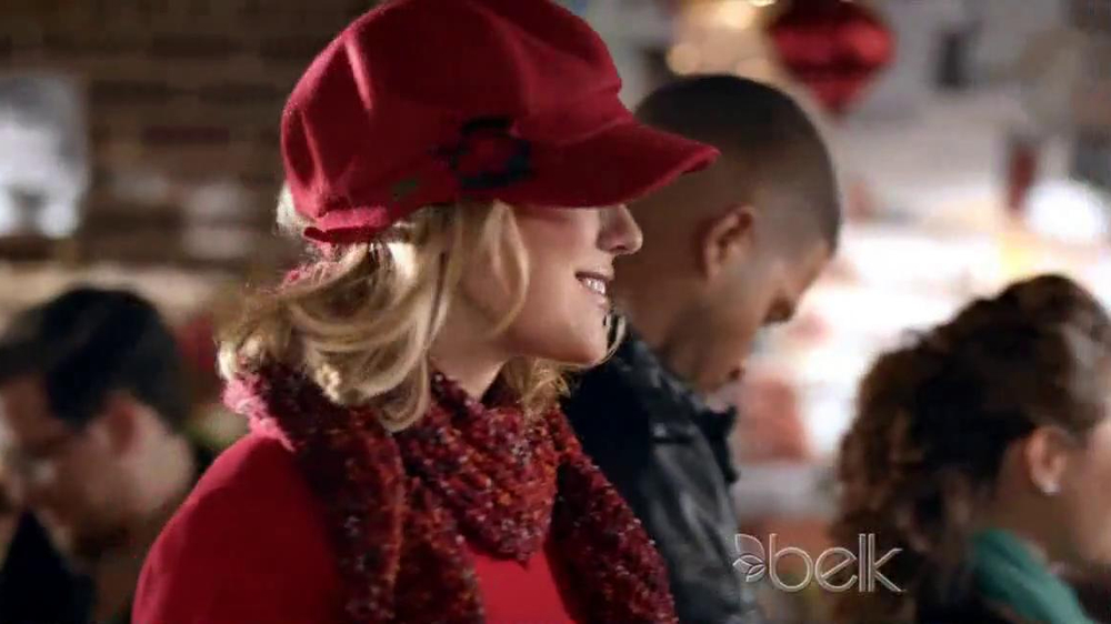 Belk TV Spot, 'Heading South for Christmas' Song by Kelly Clarkson - Screenshot 5