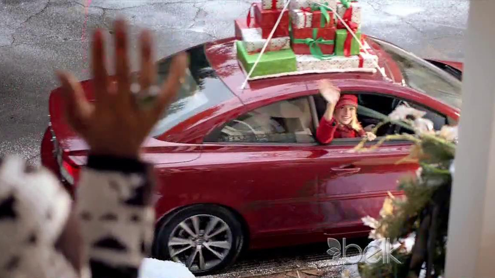 Belk TV Spot, 'Heading South for Christmas' Song by Kelly Clarkson - Screenshot 9