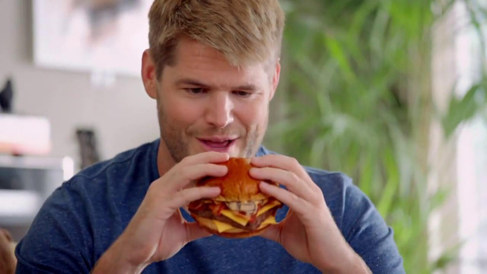 Wendy's Bacon Portabella Melt on Brioche TV Spot, 'Melt with You' - Screenshot 3