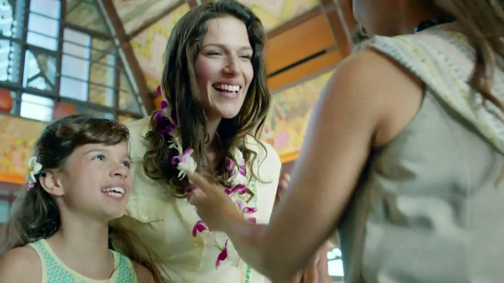 Disney Aulani TV Spot, 'A Whole New World' - Screenshot 3