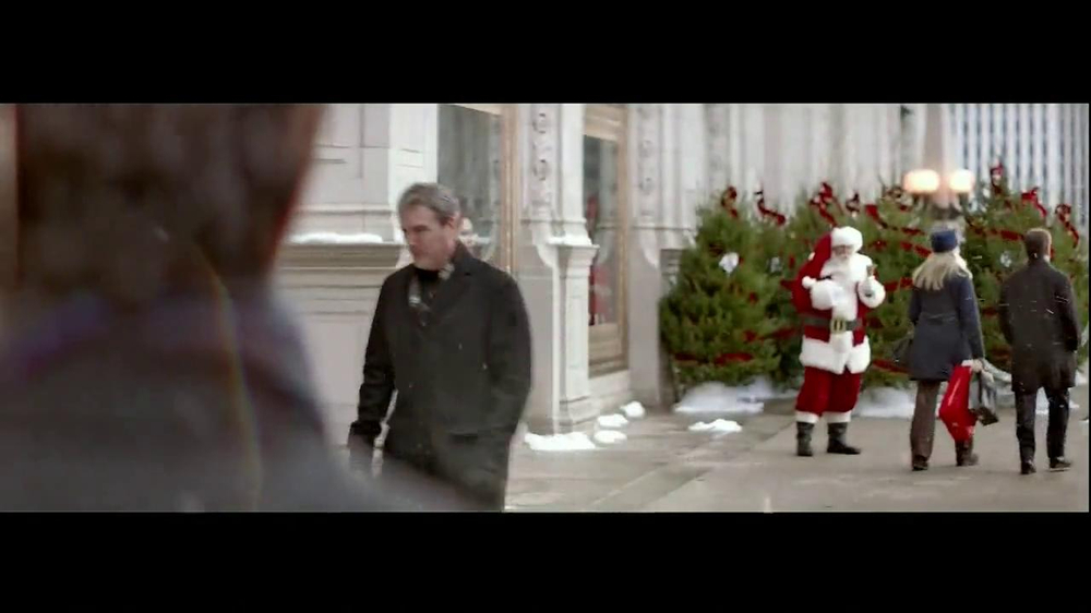 Infiniti TV Spot, 'Santa Karma' - Screenshot 2