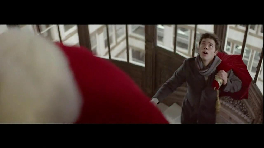 Infiniti TV Spot, 'Santa Karma' - Screenshot 5