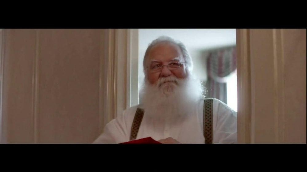 Infiniti TV Spot, 'Santa Karma' - Screenshot 7