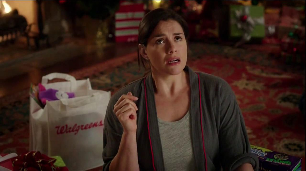 Walgreens TV Spot, 'Christmas RC Helicopter' - Screenshot 5