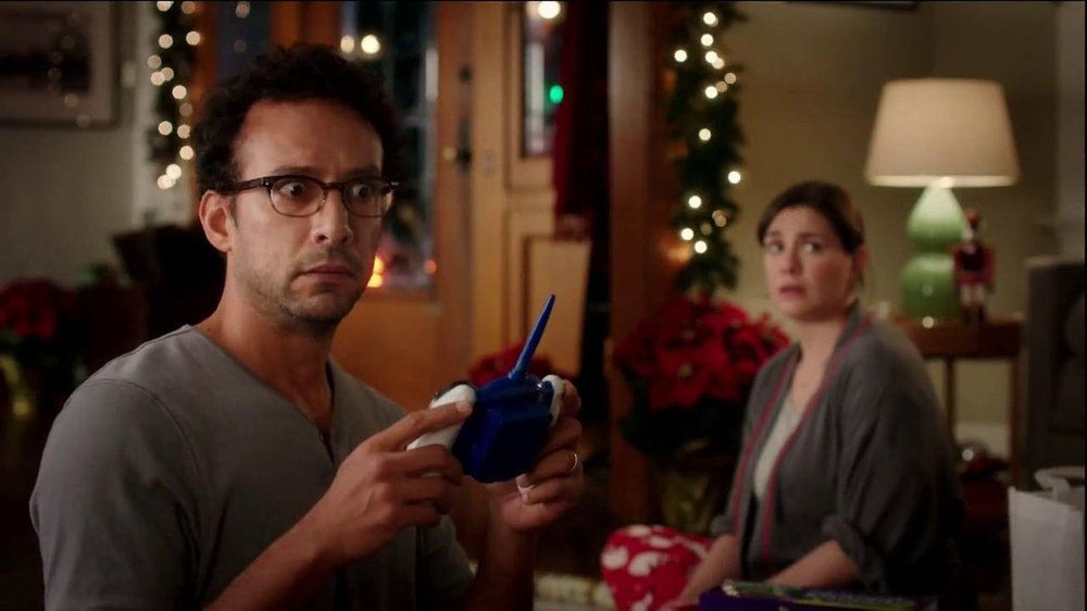 Walgreens TV Spot, 'Christmas RC Helicopter' - Screenshot 8