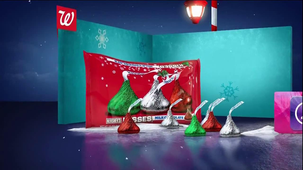 Walgreens TV Spot, 'Christmas RC Helicopter' - Screenshot 9