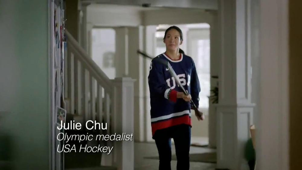 Bounty Select-A-Size TV Spot Featuring Julie Chu - Screenshot 2