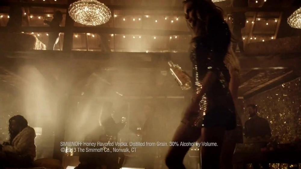 Smirnoff Wild Honey Vodka TV Spot - Screenshot 6