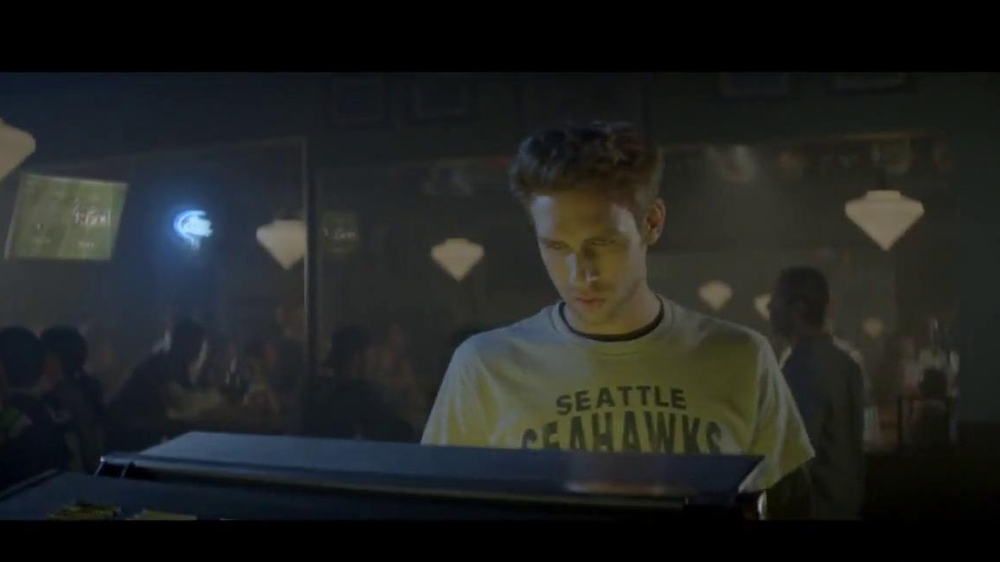 Bud Light TV Spot, 'Jukebox' - Screenshot 7