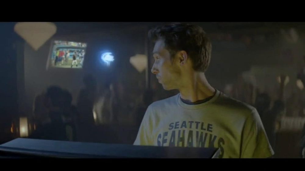 Bud Light TV Spot, 'Jukebox' - Screenshot 9