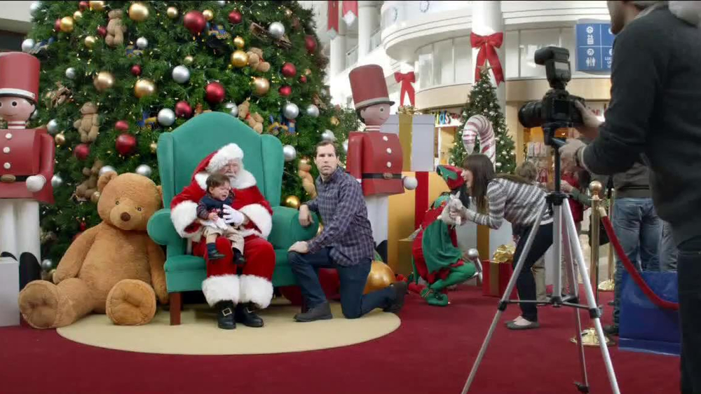 Verizon NFL Mobile TV Spot, '#FOMOF: Santa Claus' - Screenshot 1