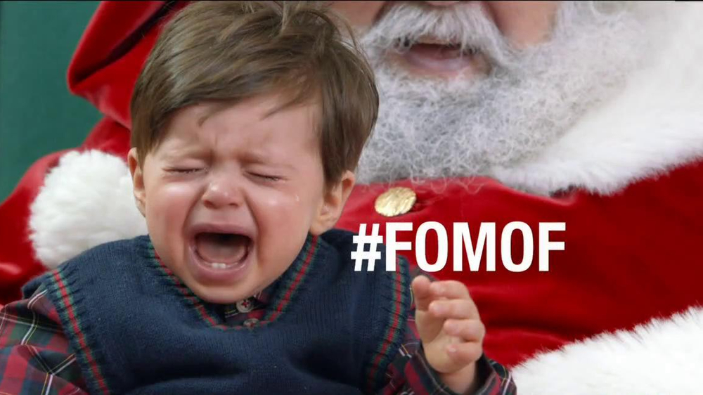 Verizon NFL Mobile TV Spot, '#FOMOF: Santa Claus' - Screenshot 7