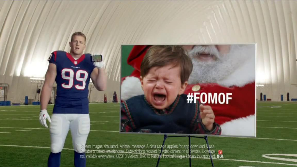Verizon NFL Mobile TV Spot, '#FOMOF: Santa Claus' - Screenshot 8