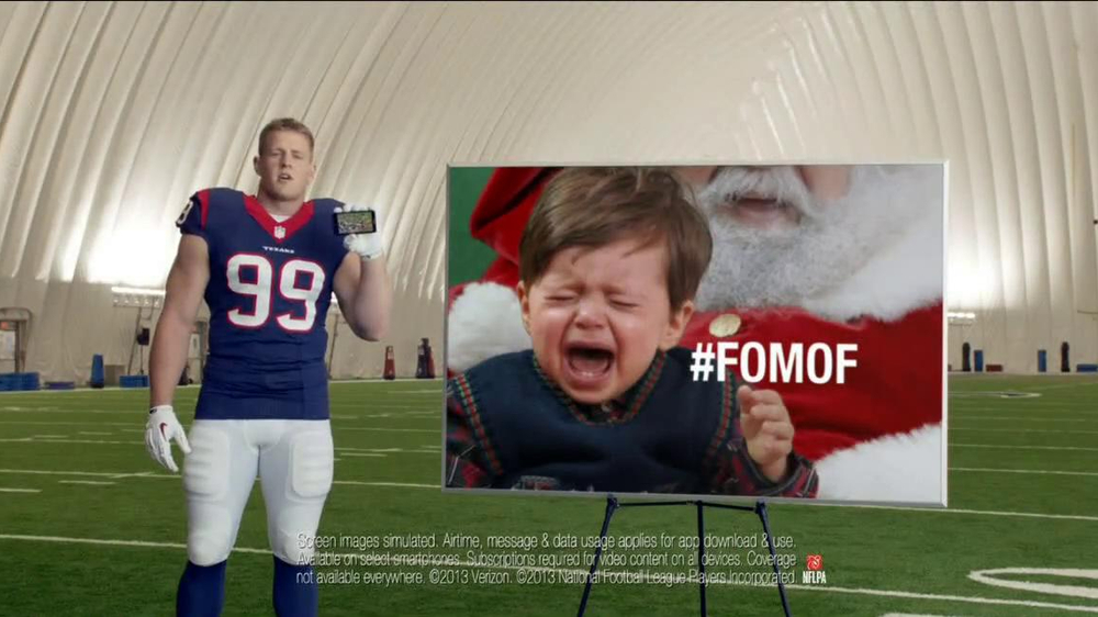 Verizon NFL Mobile TV Spot, '#FOMOF: Santa Claus' - Screenshot 9