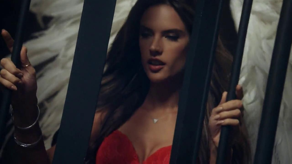 Victoria's Secret Dream Angels TV Spot, Song by Banks - Screenshot 2