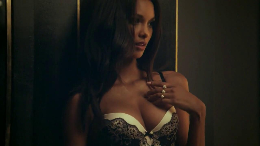 Victoria's Secret Dream Angels TV Spot, Song by Banks - Screenshot 4