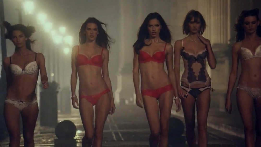 Victoria's Secret Dream Angels TV Spot, Song by Banks - Screenshot 8