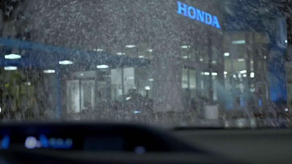 Honda Happy Honda Days: Civic TV Spot Featuring Michael Bolton - Screenshot 5