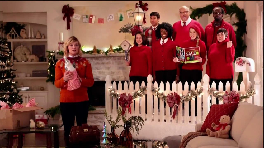 JCPenney Super Saturday Sale TV Spot, 'Jingle Mingle' - Screenshot 3