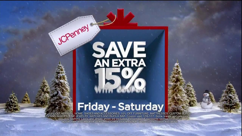 JCPenney Super Saturday Sale TV Spot, 'Jingle Mingle' - Screenshot 7
