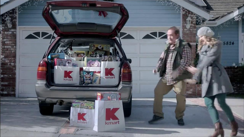 Kmart TV Spot, 'Giffing Out' - Screenshot 7