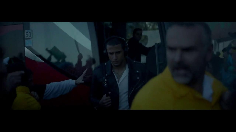 Beats Studio TV Spot Featuring Colin Kaepernick, Song by Aloe Blacc - Screenshot 6