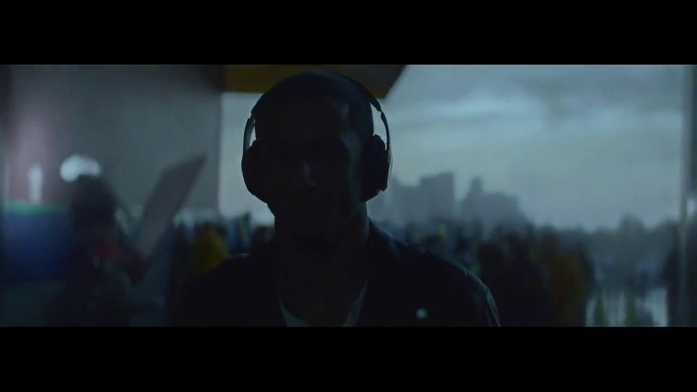 Beats Studio TV Spot Featuring Colin Kaepernick, Song by Aloe Blacc - Screenshot 9