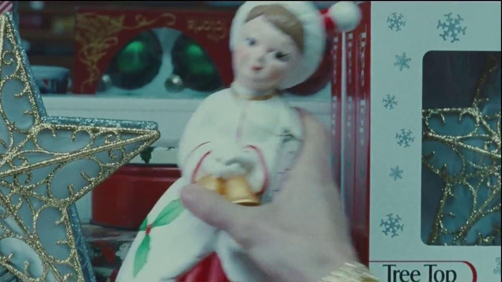 Netflix TV Spot, 'Holiday Tree Topper: The McDermott' - Screenshot 2