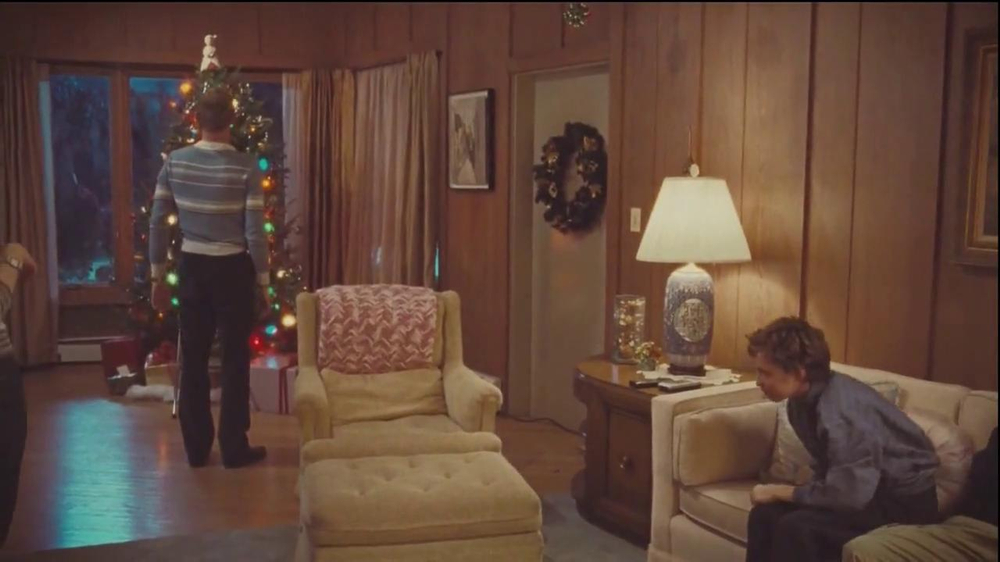 Netflix TV Spot, 'Holiday Tree Topper: The McDermott' - Screenshot 4