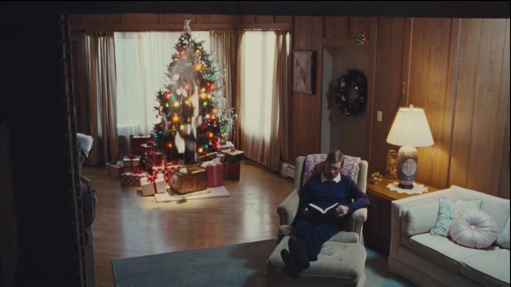 Netflix TV Spot, 'Holiday Tree Topper: The McDermott' - Screenshot 5