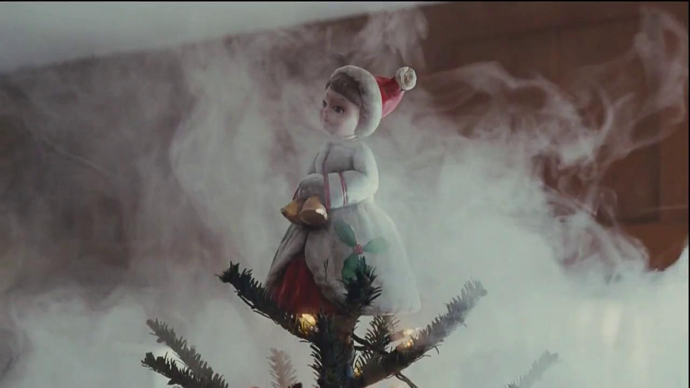 Netflix TV Spot, 'Holiday Tree Topper: The McDermott' - Screenshot 6
