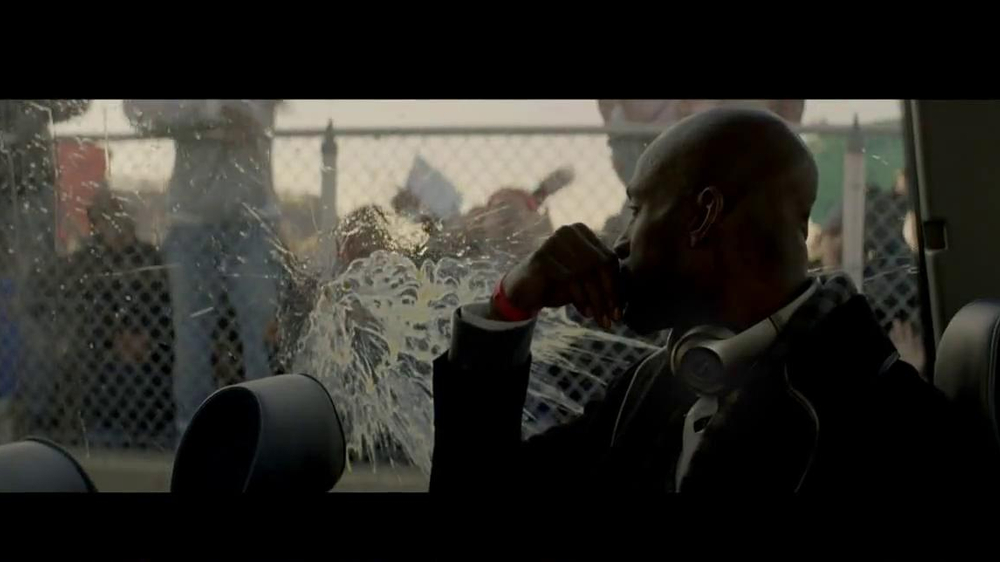 Beats Studio TV Spot Featuring Kevin Garnett, Song by Aloe Blacc - Screenshot 2