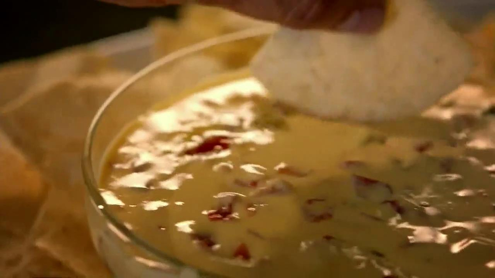 Velveeta and Ro-Tel Queso Dip TV Spot, 'Sharing' - Screenshot 2