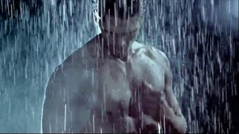 Versace EROS TV Spot, 'The New Fragrance for Men' - Thumbnail 5