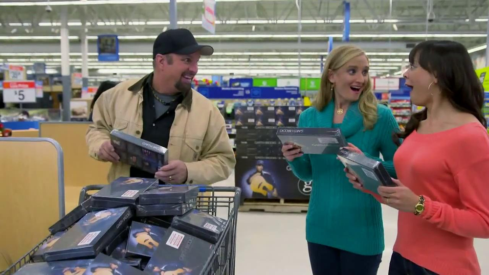 Walmart TV Spot, 'Garth Brooks Box Set' Featuring Garth Brooks - Screenshot 7